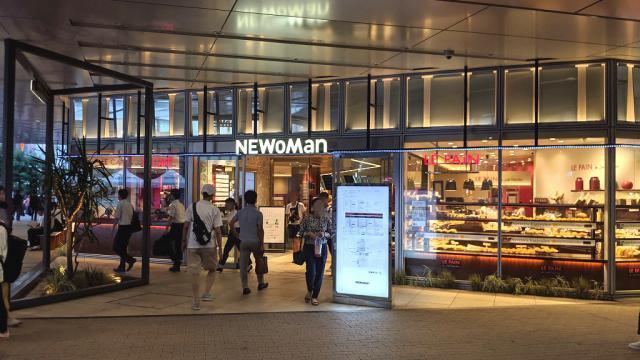 NEWoMan新宿 入口