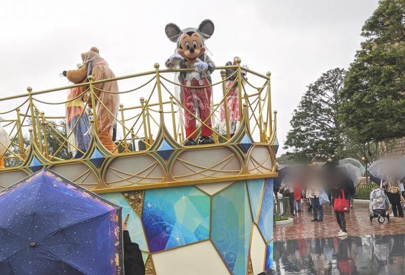 【TDL】雨のミッキー&フレンズのグリーティングパレード